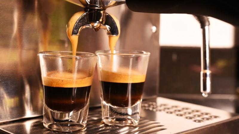 ¡Inicia tu negocio con una cafetería!